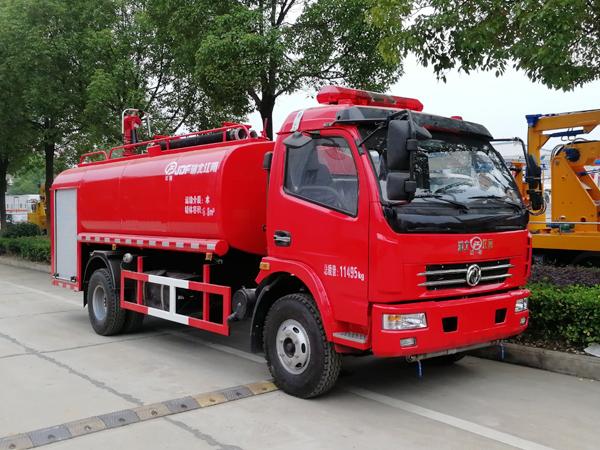 【国五】多利卡单排7吨消防洒水车