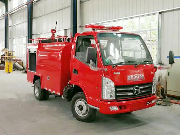 【国五】凯马2吨消防洒水车