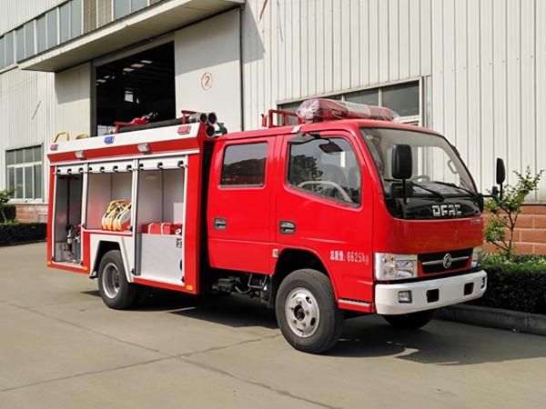【国五】东风凯普特2吨水罐消防车