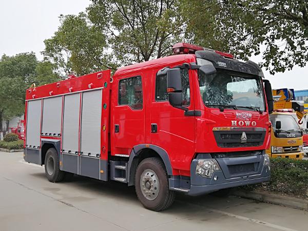 【国五】豪沃T5G水罐消防车-5吨