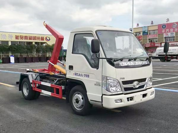福田小卡3方钩臂垃圾车